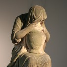 """Skulptur– """"Trauernde"""" Grabmal der Louise von Koppenfels"""