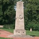 Obelisk auf dem sowjetischen Ehrenfriedhof in Weimar Belvedere