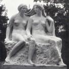 """Skulptur– """"Zwei Schwestern"""" von Richard Engelmann"""