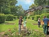 Holzdorf 2014 - Aufstellen der Skulpturen