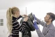 Stefanie Papenheim und Ilja Streit während der Restaurierung
