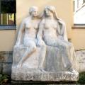 """Skulptur — """"Zwei Schwestern"""" von Richard Engelmann – nach Reinigung"""
