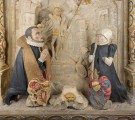 Detail Stifterfiguren mit Wappen. Die naturalistische Gestaltung der Inkarnate ist nach der Reinigung wieder deutlich erlebbar. Durch die Abnahme von Überfassungen des 19. Jahrhunderts kommt die farbliche Gestaltung der Kleidung  wieder zum Vorschein.