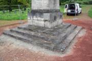 Obelisk auf dem sowjetischen Ehrenfriedhof in Weimar Belvedere – Stufenanlage neu versetzt